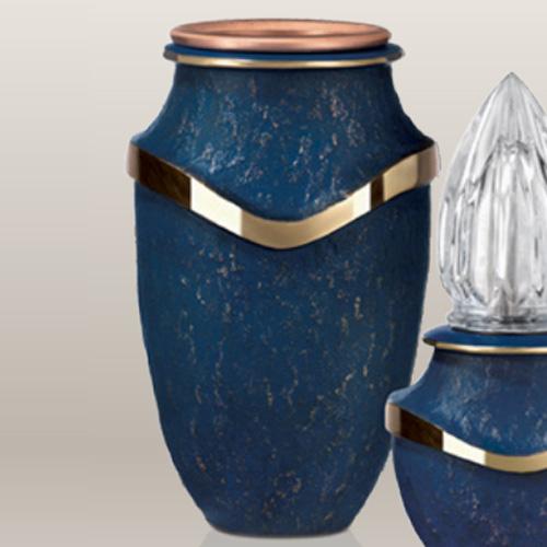 Blauw grafvaas van brons