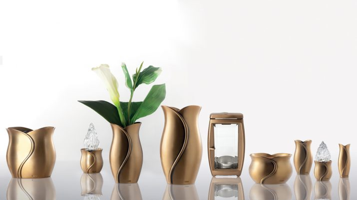 Collectie van bronzen vazen