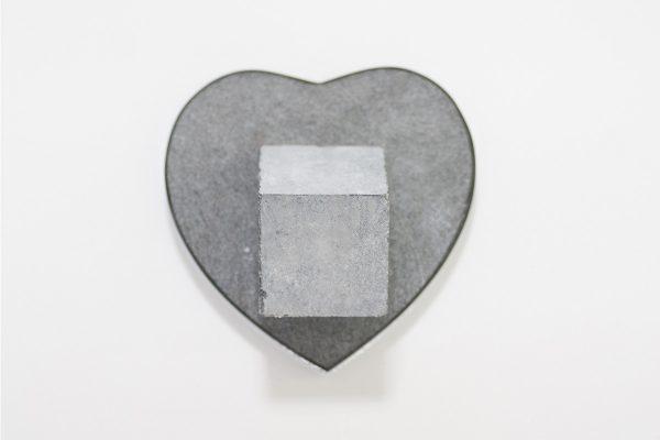Graniet hart met sokkel