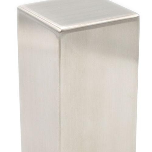 Geslepen RVS urn