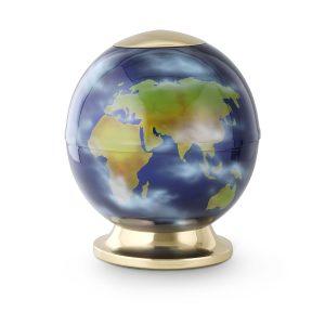 Urn met wereldkaart