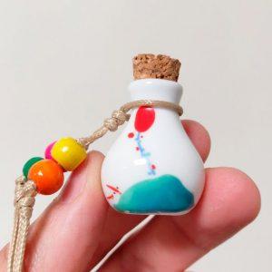 Kleine Mini Urn Van Keramiek Met Kurk Met Ballon Vlieger
