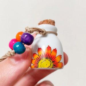 Kleine Mini Urn Van Keramiek Met Kurk Met Zonnebloem Ketting