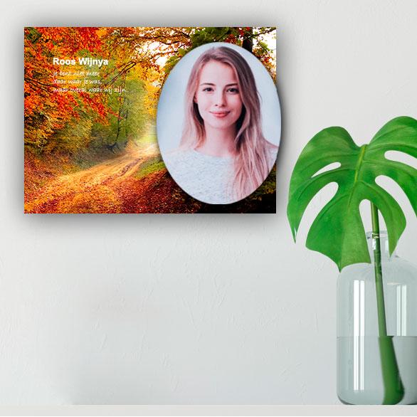 Gedenkteken Voor Aan De Wand Huiskamer Pad Herfst Bomen